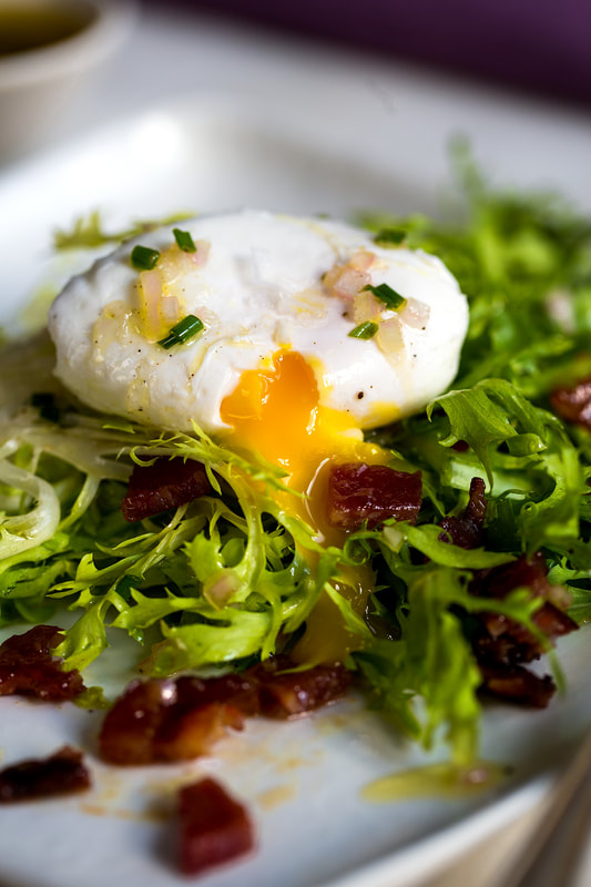 egg, poached, lettuce, bacon, lardon, salad, healthy, shallot, dressing, lunch, brunch, food, food style, chef