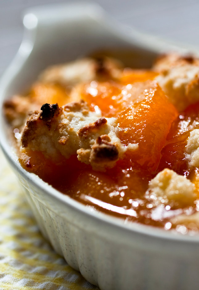 peach, cobbler, peach cobbler, streusel, food, food style, chef
